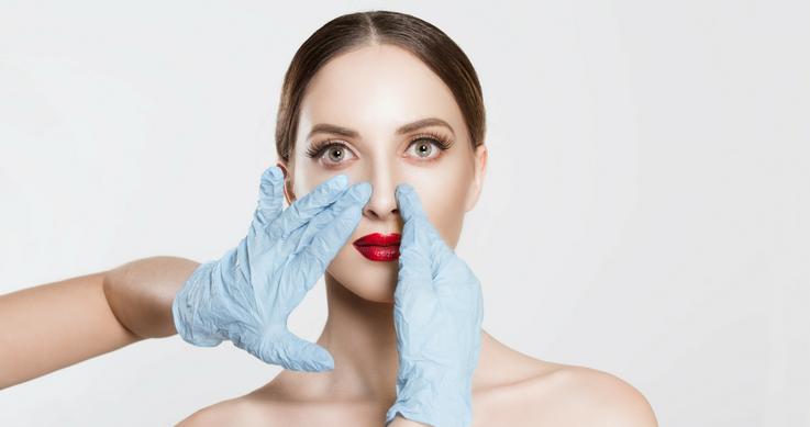 Selfies: Έρευνα έδειξε ότι κάνουν τη μύτη μας να φαίνεται μέχρι και 30% μεγαλύτερη